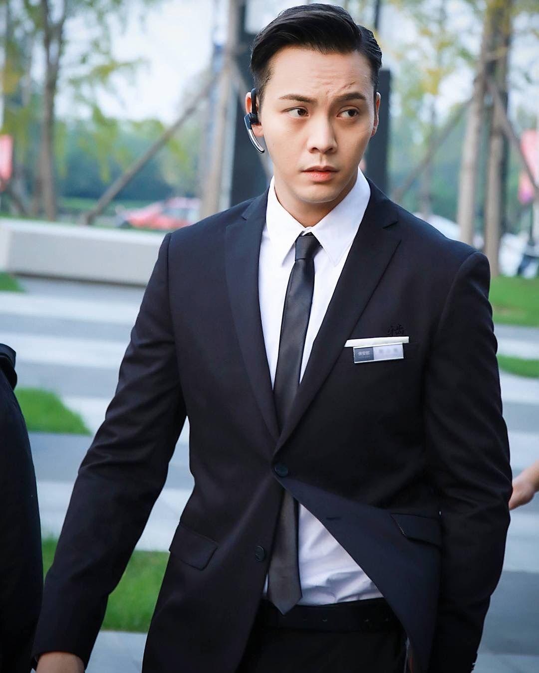 'Người tình' của Dương Mịch bị chụp lén bí mật hẹn hò với siêu mẫu Victoria's Secret trong ngày thất tịch? 7