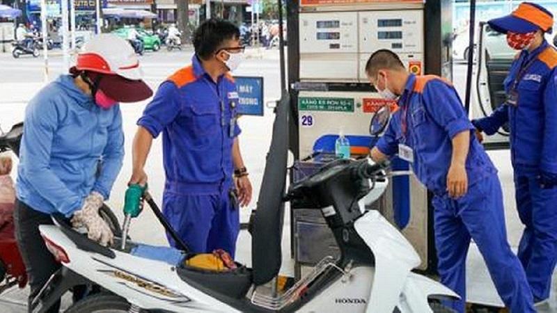 Tin tức giá xăng dầu hôm nay ngày 15/8: Giảm mạnh không kịp trở tay 1