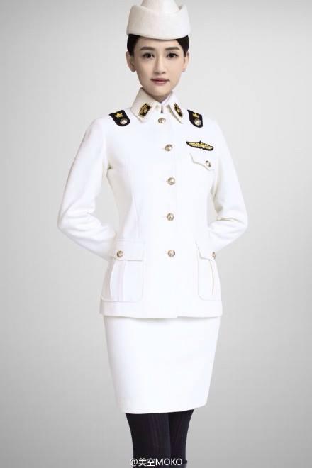 11 sao nữ Cbiz mặc quân trang: Dương Mịch, Lý Thấm, Hinh Dư phong trần nhưng trùm cuối 'soái khí' nhất 8