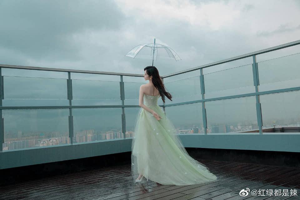 Cảnh Điềm hóa tiểu thư quý tộc sang chảnh: Nhan sắc 'Đệ nhất mỹ nữ Bắc Kinh' không đùa được đâu! 5