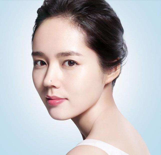 15 mỹ nhân Kbiz sở hữu mũi cao vút: Yoona đáng yêu, Ji Soo như cầu trượt, trùm cuối mới là tuyệt phẩm về cái đẹp 14