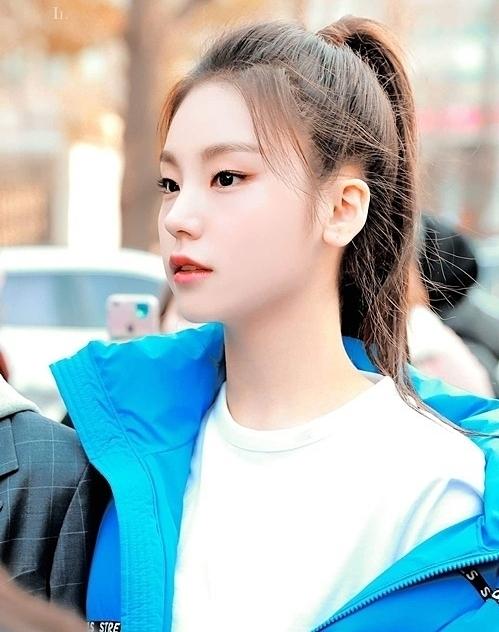 15 mỹ nhân Kbiz sở hữu mũi cao vút: Yoona đáng yêu, Ji Soo như cầu trượt, trùm cuối mới là tuyệt phẩm về cái đẹp 12