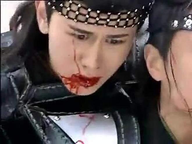 16 mỹ nam Cbiz thổ huyết trên màn ảnh: Cung Tuấn ma mị, đến Thành Nghị giả trân không chịu nổi nhưng vẫn kém huynh đài cuối cùng 16