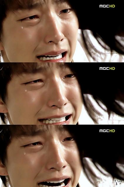 12 nam thần Kbiz rơi lệ trên màn ảnh: Bo Gum, Joong Ki, Jong Suk khóc đến đau thấu tim gan sang trùm cuối lại giả trân muốn 'đội quần' 4