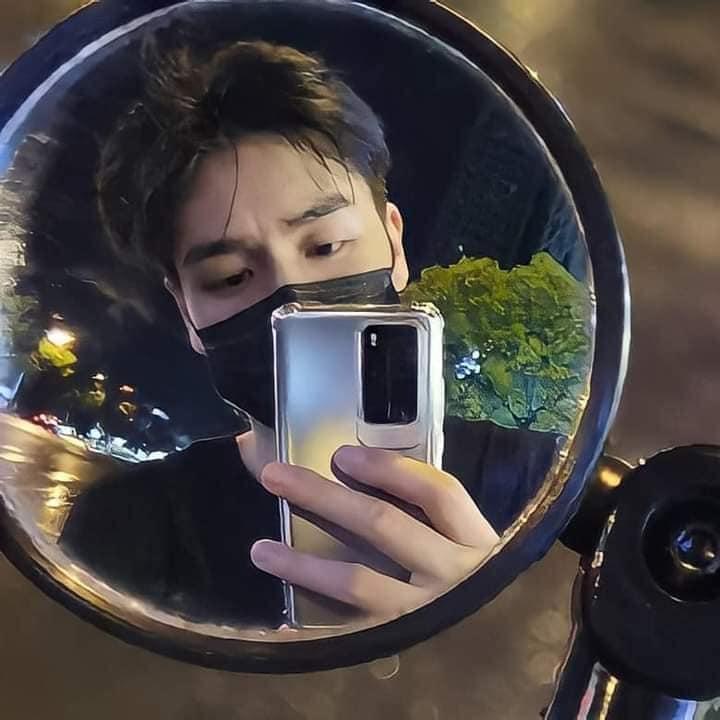 22 nam thần Cbiz đọ sắc ảnh selfie: Hứa Khải quyến rũ, Tiêu Chiến đáng yêu, Cung Tuấn 'bố đời' đến trùm cuối lại hốt hoảng 13