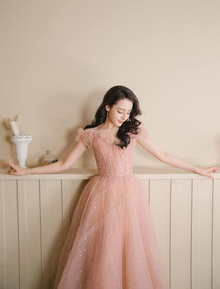 17 mỹ nhân Cbiz đọ sắc trong váy dạ hội màu hồng: Lộ Tư kiêu sa, Dương Mịch quyến rũ, Nhiệt Ba 'ngọt lịm' đến trùm cuối sến súa nổi da gà 14