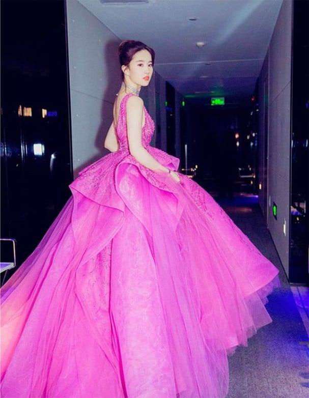 17 mỹ nhân Cbiz đọ sắc trong váy dạ hội màu hồng: Lộ Tư kiêu sa, Dương Mịch quyến rũ, Nhiệt Ba 'ngọt lịm' đến trùm cuối sến súa nổi da gà 12