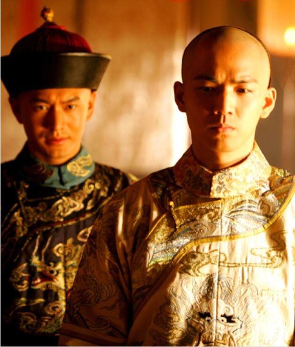 13 soái ca Cbiz vào vai hoàng đế trên màn ảnh: Hứa Khải uy nghiêm, Cao Vỹ Quang 'men-lỳ' nhưng trùm cuối lại ẻo lả không chịu nổi 12