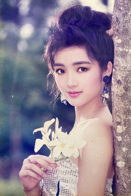 Hoa hậu từng là 'người tình màn ảnh' của Lý Hùng lộ loạt ảnh quá khứ xứng danh 'quốc sắc thiên hương' 3