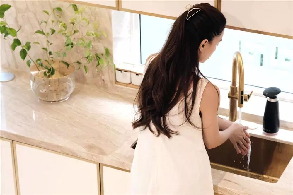 Soi cận cảnh mọi ngóc ngách trong căn biệt thự hoành tráng của gia đình Hồ Ngọc Hà, Kim Lý 9