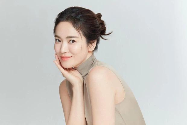 Song Hye Kyo vô tình để lộ nhan sắc thật, dân tình không khỏi tròn mắt 4