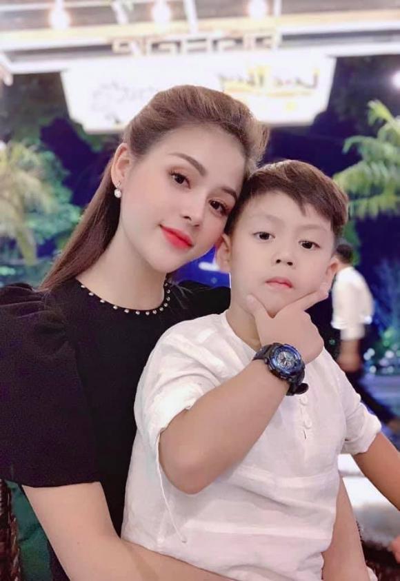 'Ái nữ gia tộc họ Cao' Lương Thu Trang và nỗi day dứt làm mẹ đơn thân khi mới 24 tuổi 4