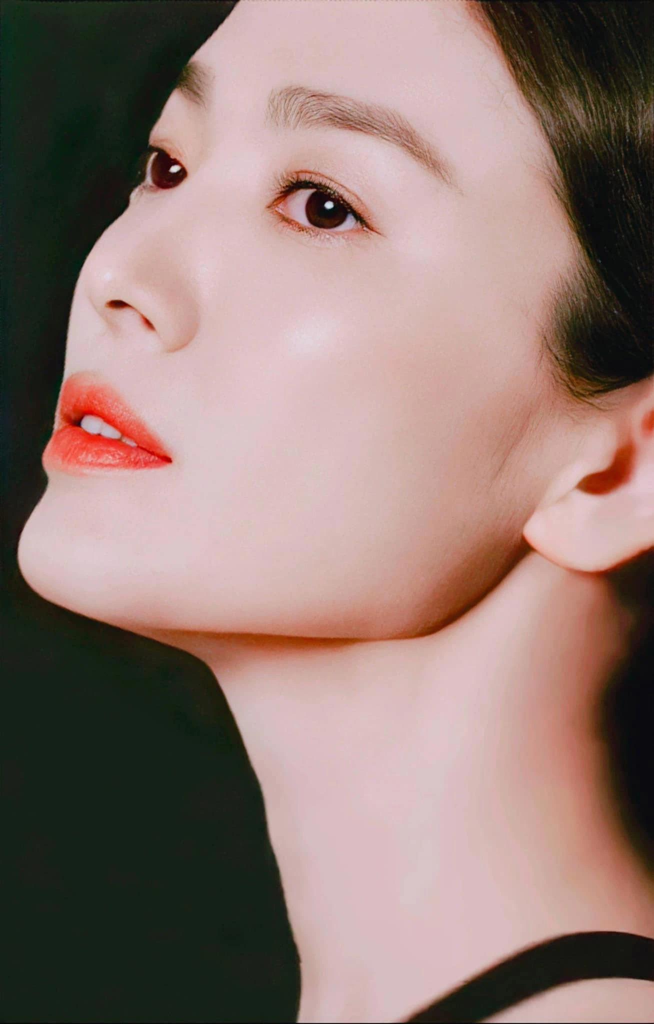 Song Hye Kyo khiến dân tình 'ngất lịm' với loạt ảnh cận mặt, nhan sắc ngày càng thăng hạng hậu ly hôn 1