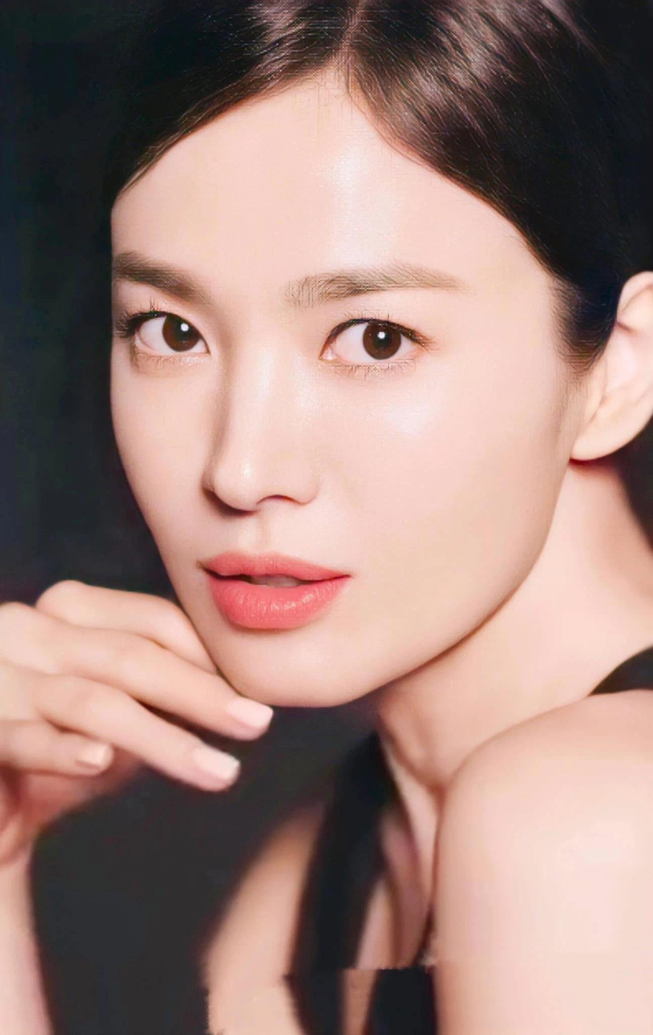 Song Hye Kyo khiến dân tình 'ngất lịm' với loạt ảnh cận mặt, nhan sắc ngày càng thăng hạng hậu ly hôn 3
