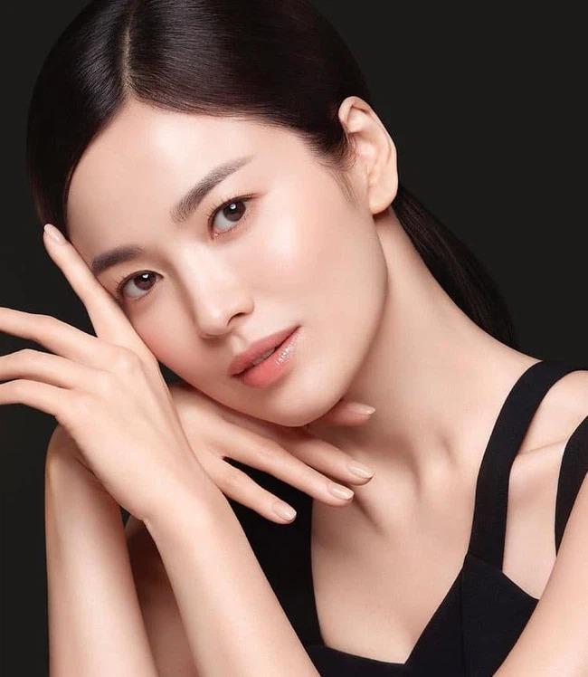 Song Hye Kyo khiến dân tình 'ngất lịm' với loạt ảnh cận mặt, nhan sắc ngày càng thăng hạng hậu ly hôn 5