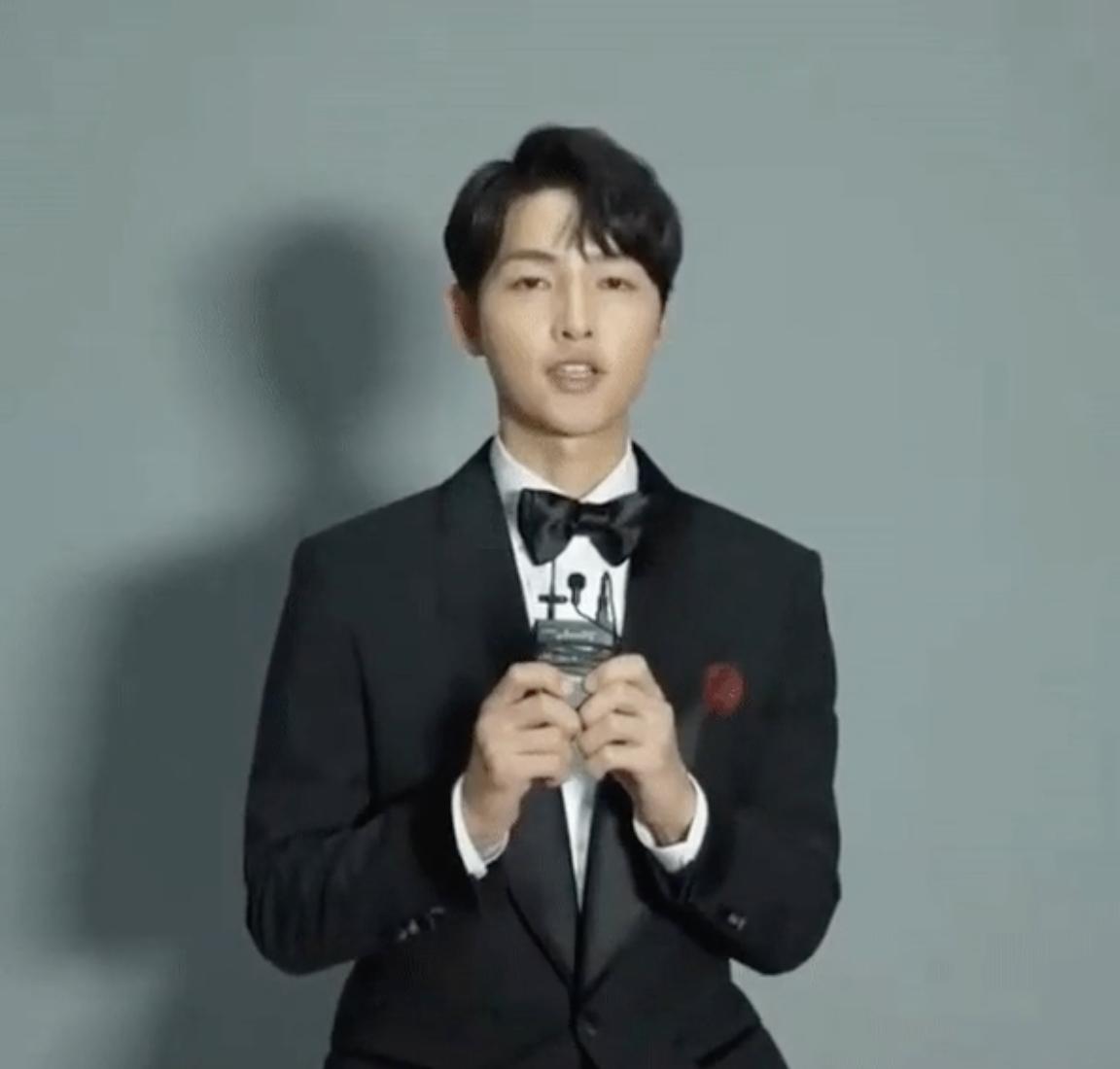 Song Joong Ki và màn tái xuất đầy hoài nghi, sự thật phía sau mới ngỡ ngàng 1