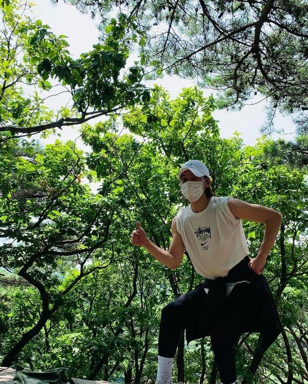 Tài tử điển trai Ji Chang Wook hiếm hoi lộ diện sau thời gian điều trị Covid, diện mạo gây chú ý 2