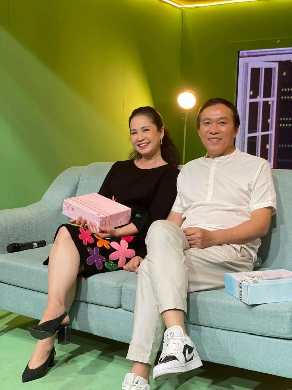 'Mẹ chồng quốc dân' Hương Bông gây ngỡ ngàng với nhan sắc ở tuổi 60 8