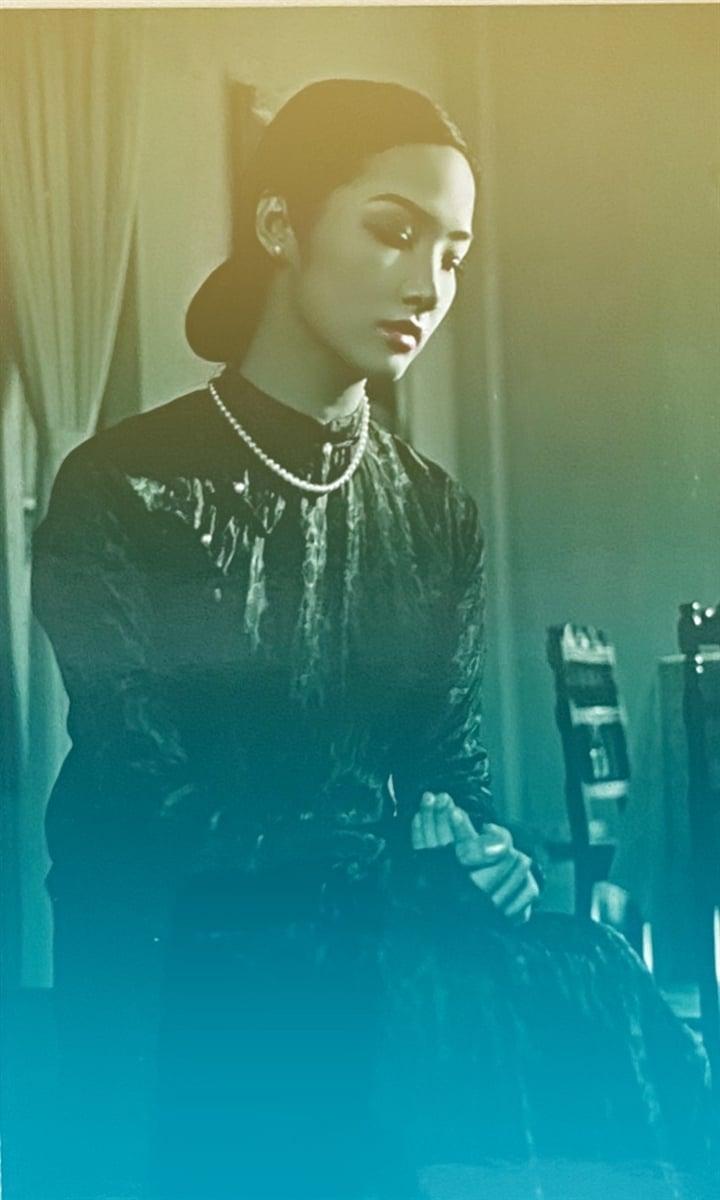 'Người tình' của Lý Hùng và màn đọ sắc bất phân thắng bại với 'đệ nhất mỹ nhân' Hong Kong 2