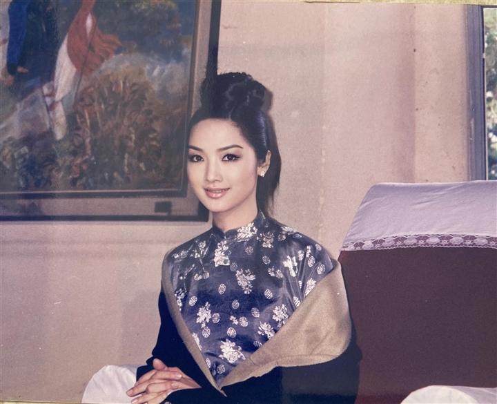 'Người tình' của Lý Hùng và màn đọ sắc bất phân thắng bại với 'đệ nhất mỹ nhân' Hong Kong 4