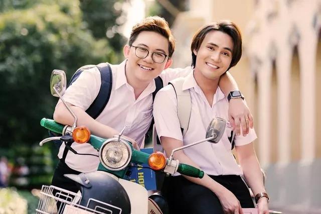Huỳnh Lập và quản lý vướng ồn ào 'gạ tình trai trẻ', gây chú ý với phát ngôn giữa tâm bão 'sao kê từ thiện' 6