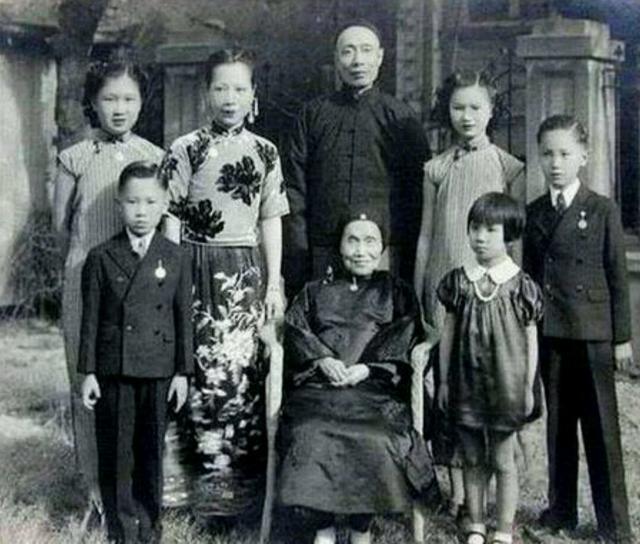 Tài nữ Trương Ái Linh và mối tình đầy cay đắng với người đàn ông 'không chỉ có một trái tim' 1