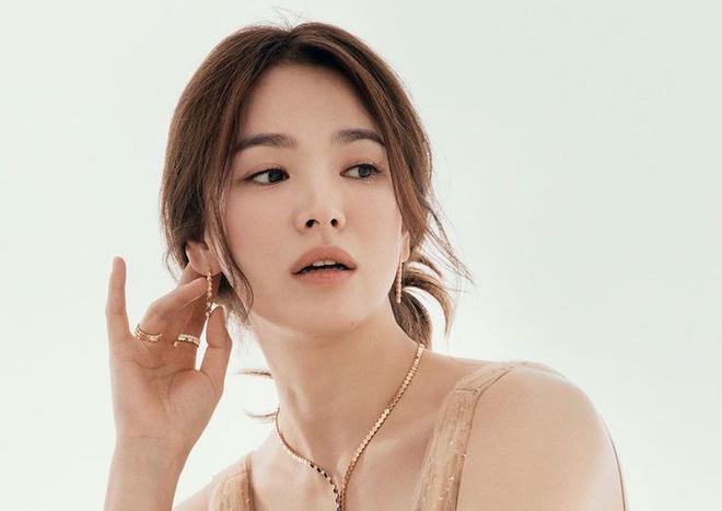 Loạt ảnh mặt mộc của 2 quốc bảo nhan sắc xứ Hàn: Song Hye Kyo tinh khôi, Kim Tae Hee đầy thánh thiện 8