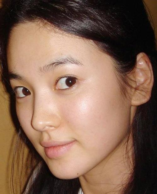 Loạt ảnh mặt mộc của 2 quốc bảo nhan sắc xứ Hàn: Song Hye Kyo tinh khôi, Kim Tae Hee đầy thánh thiện 4