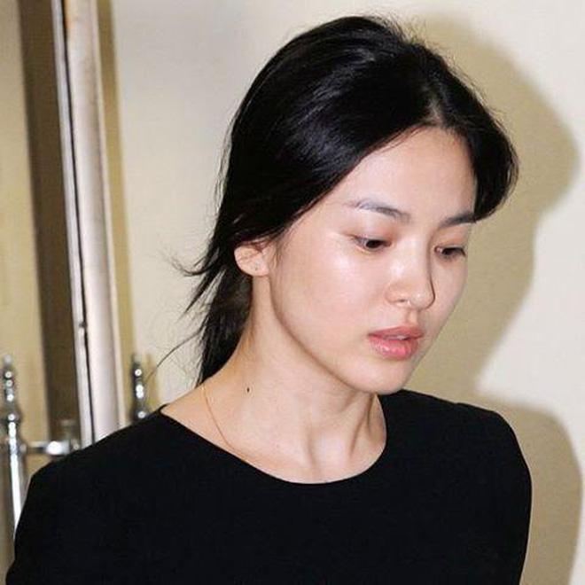 Loạt ảnh mặt mộc của 2 quốc bảo nhan sắc xứ Hàn: Song Hye Kyo tinh khôi, Kim Tae Hee đầy thánh thiện 5