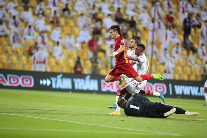 Hai 'cường địch' gặp bất lợi lớn tại vòng loại World Cup, tự tay vứt bỏ lợi thế khi đối đầu với ĐT Việt Nam 2