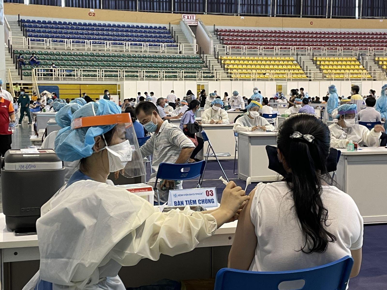 وزارت بهداشت از 1 جولای قرنطینه 7 روزه را برای افرادی که 2 دوز واکسن دریافت کرده اند آزمایش می کند