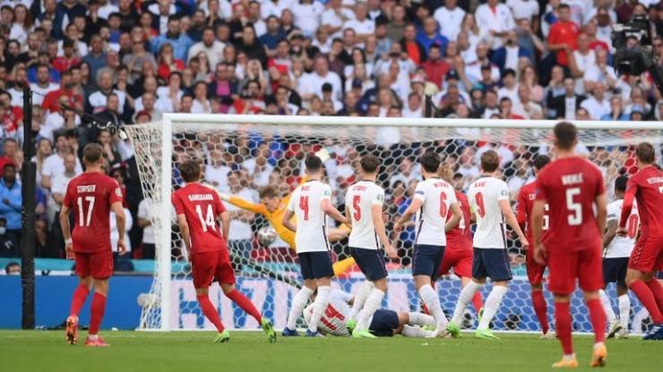 Xử ép Đan Mạch, trọng tài giúp ĐT Anh lần đầu tiên lọt vào chung kết Euro 1