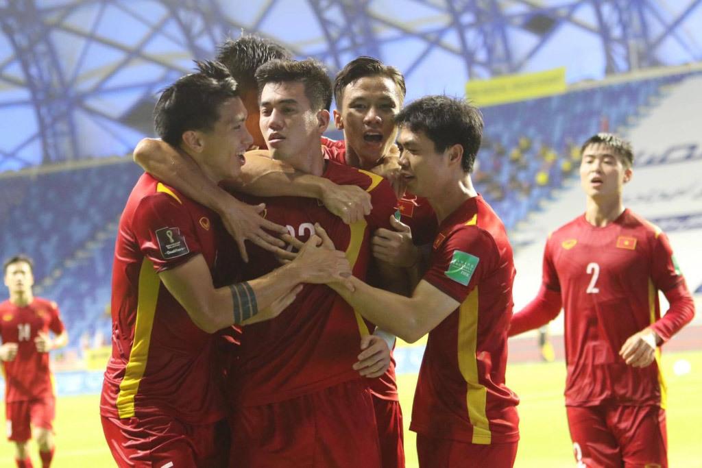 Tin bóng đá 20/07: Sergio Ramos có động thái bất ngờ với Messi, báo Trung Quốc lớn tiếng chê Việt Nam nghèo  5