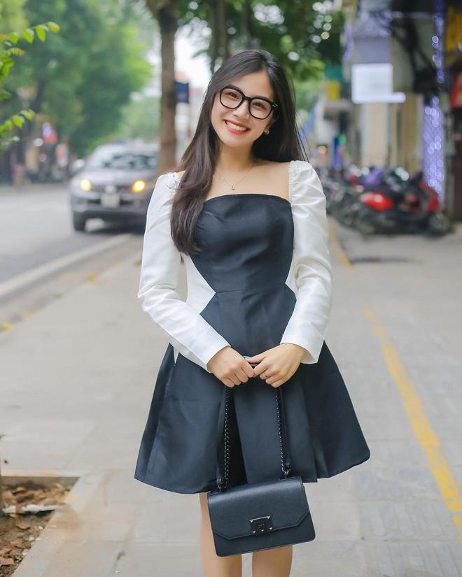 Livestream chung với cô giáo Minh Thu, nhan sắc gái xinh xứ Nghệ gây chú ý 3