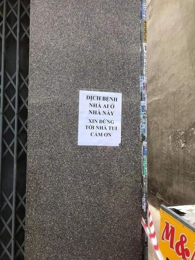 Những thông báo trước cửa nhà 'cực mặn' khiến ai cũng thấy giãn cách bớt nặng nề đi rất nhiều 2