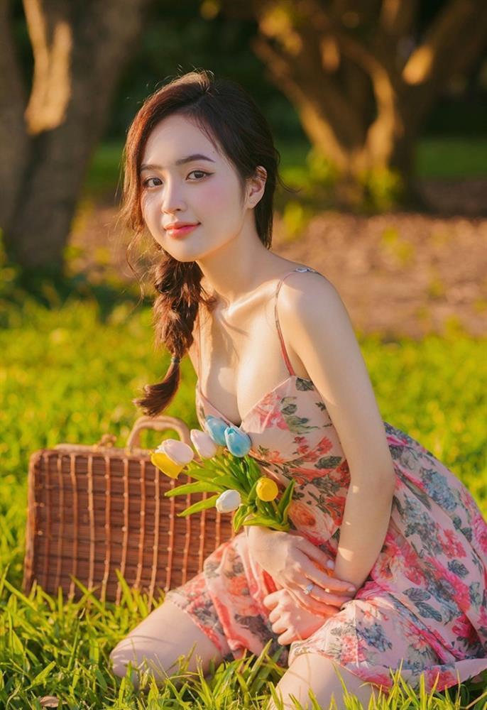 Clip gợi cảm, chạy tung tăng trên biển của hot girl Lê Phương Anh gây 'ghẽn' mạng xã hội 3