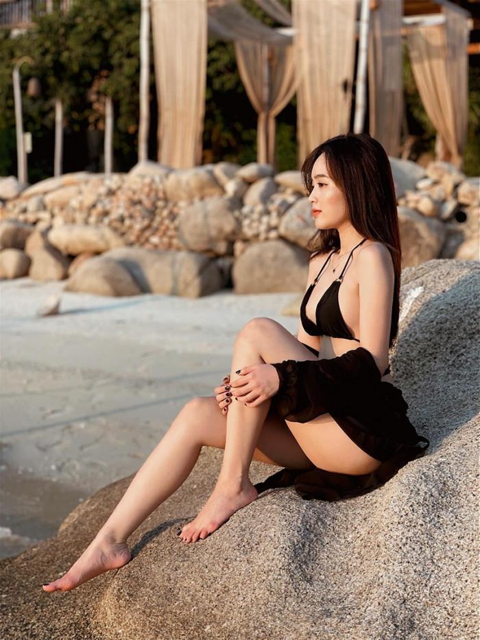Clip gợi cảm, chạy tung tăng trên biển của hot girl Lê Phương Anh gây 'ghẽn' mạng xã hội 1