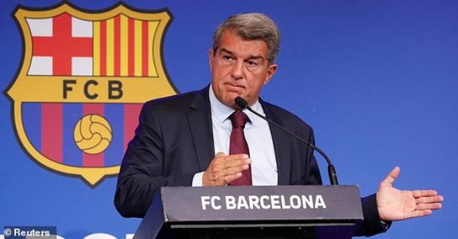 Chủ tịch Barca: Messi hết cửa trở lại Camp Nou, đã có lời đề nghị từ CLB khác 2