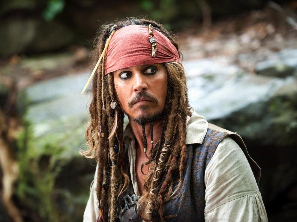 Johnny Depp bị chỉ trích 'không xứng' với giải thành tựu trọn đời giữa lùm xùm 'tẩn' vợ cũ 1