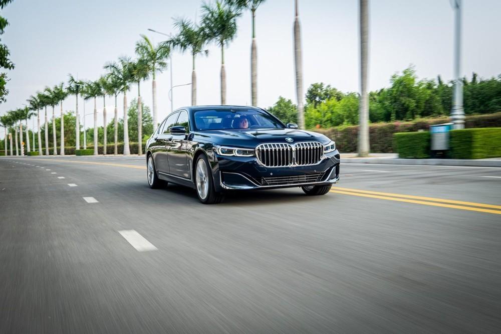 BMW 7-Series xả hàng giảm giá cực sâu, vượt mặt Mercedes trong phân khúc hạng sang tại Việt Nam 1