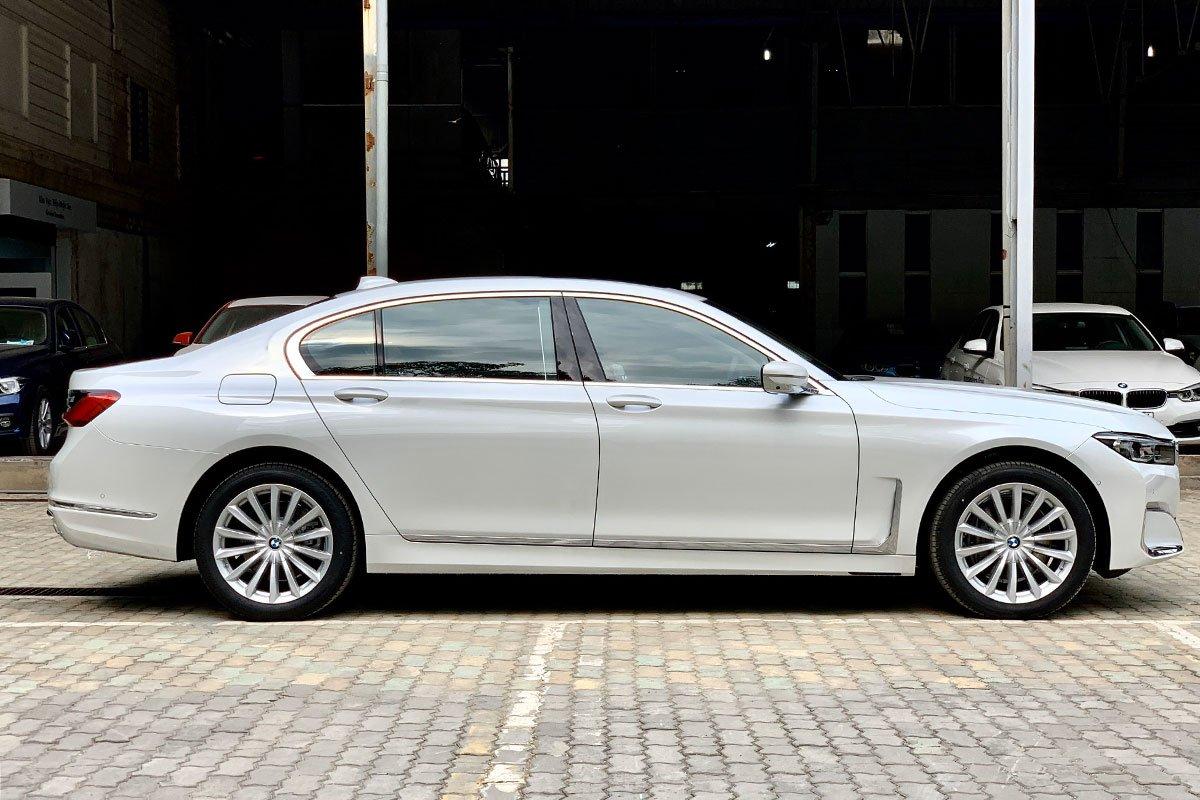 BMW 7-Series xả hàng giảm giá cực sâu, vượt mặt Mercedes trong phân khúc hạng sang tại Việt Nam 3