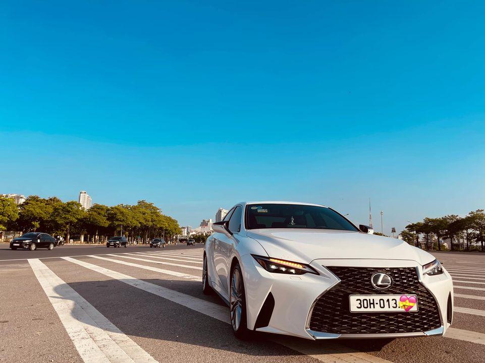 Lexus IS 300 thế hệ mới lần đầu lên sàn xe cũ, tiết kiệm vài trăm triệu cho khách mua 4
