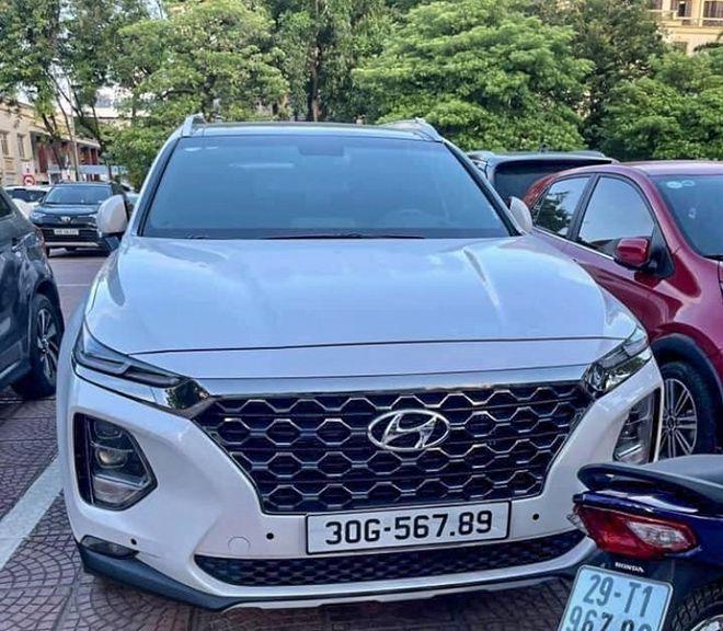 Hyundai SantaFe chạy lướt tìm chủ mới, giá đội lên ngang xe sang Mercedes 1