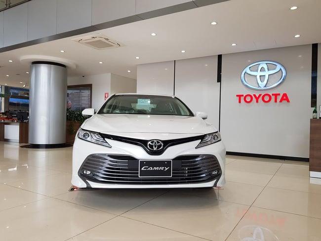 Bộ đôi sedan của Toyota giảm giá cực sâu, VinFast Lux nguy cơ bị bỏ lại phía sau 1