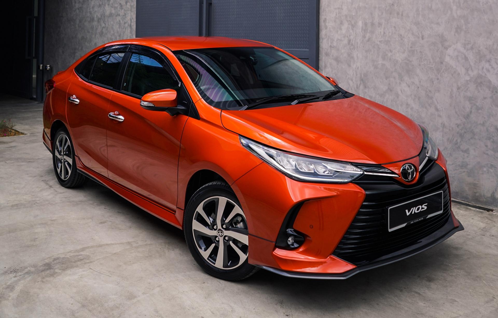 Toyota Vios quyết vượt mặt Hyundai Accent bằng màn đại hạ giá đầu tháng 9 2
