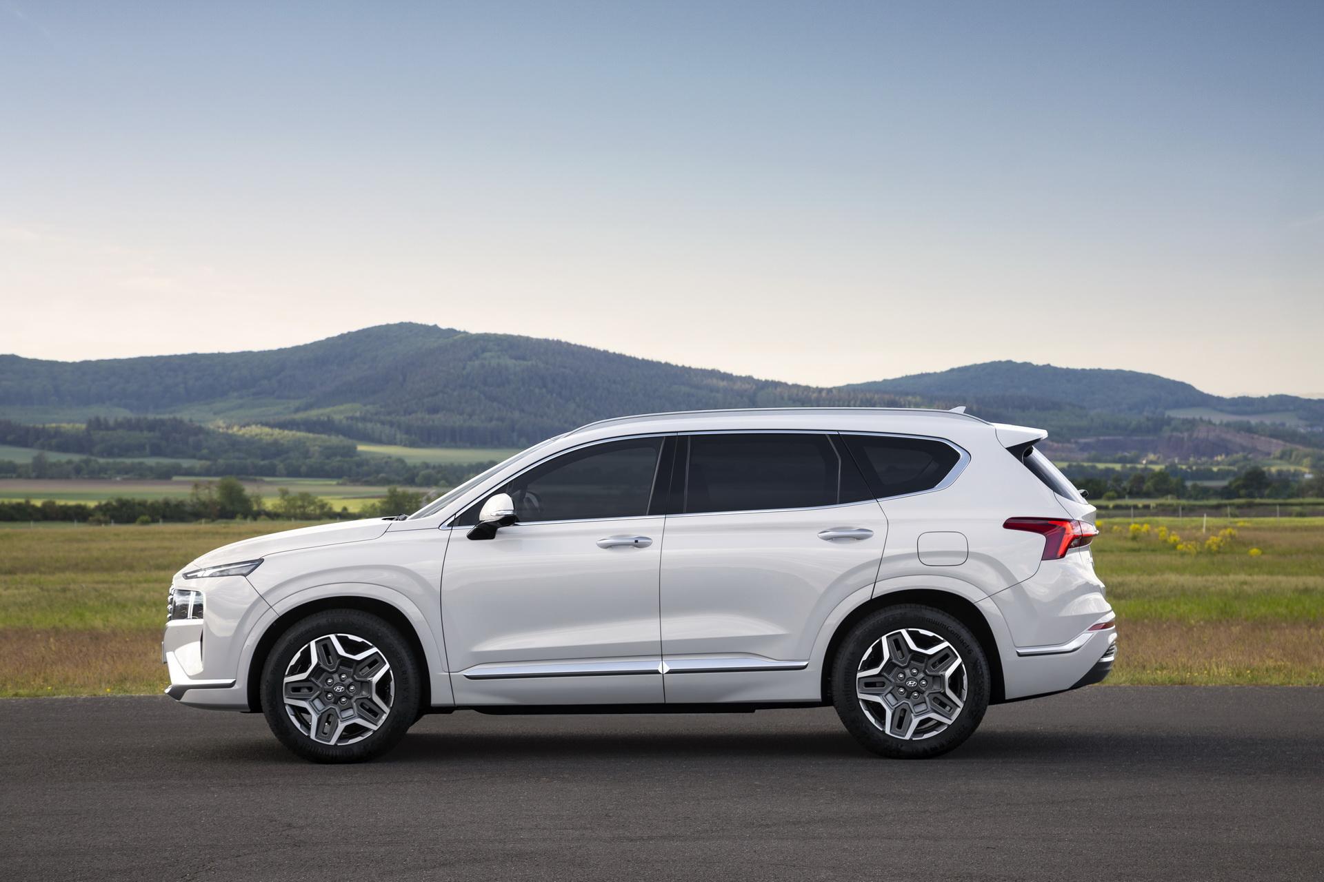 Mẫu SUV 7 chỗ tiết kiệm nhiên liệu và bán chạy nhất thị trường Việt Nam: Khó có lựa chọn tốt hơn! 7