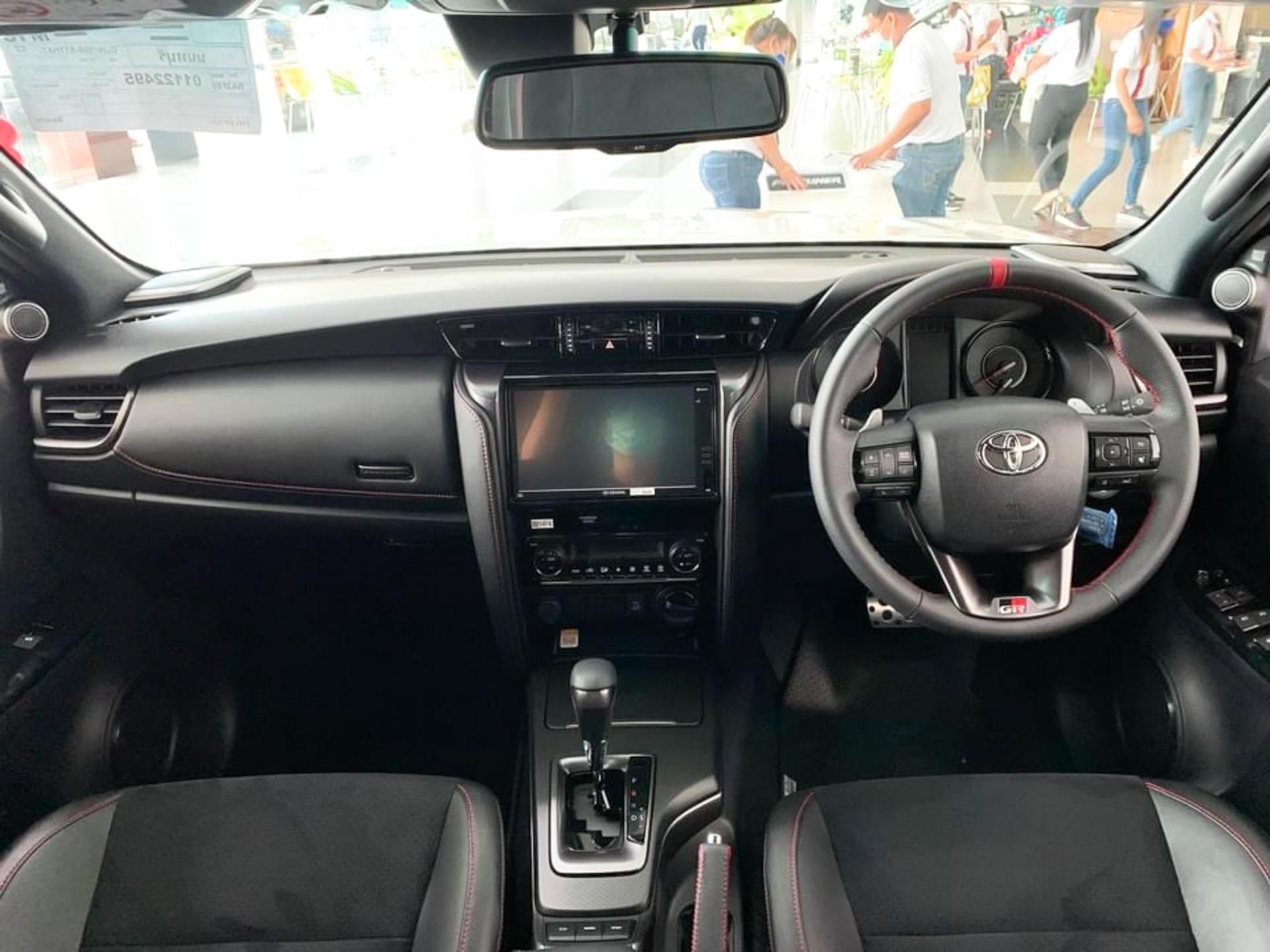 Xem trước Toyota Fortuner GR Sport 2022 giá 1.3 tỷ tại đại lý Thái Lan, sắp có mặt tại Việt Nam 6