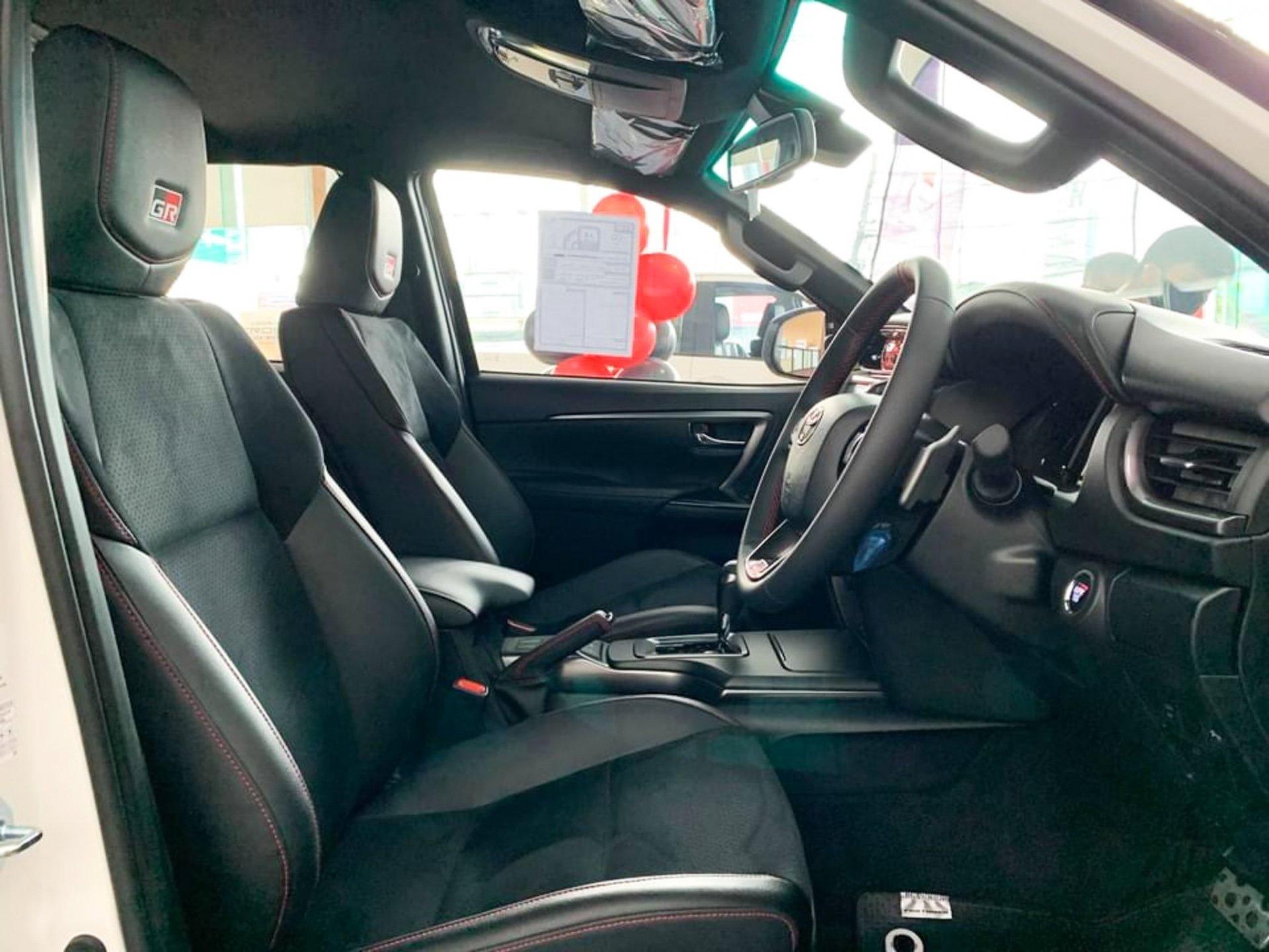 Xem trước Toyota Fortuner GR Sport 2022 giá 1.3 tỷ tại đại lý Thái Lan, sắp có mặt tại Việt Nam 8
