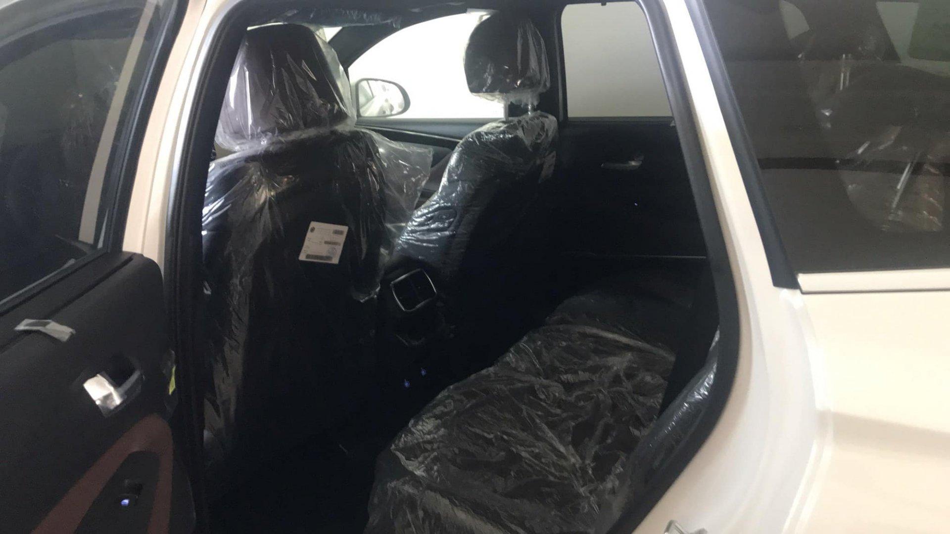 Thêm chiếc Hyundai Santa Fe biển VIP lên sàn xe cũ, vẫn nguyên vẹn chưa hề được lăn bánh 4