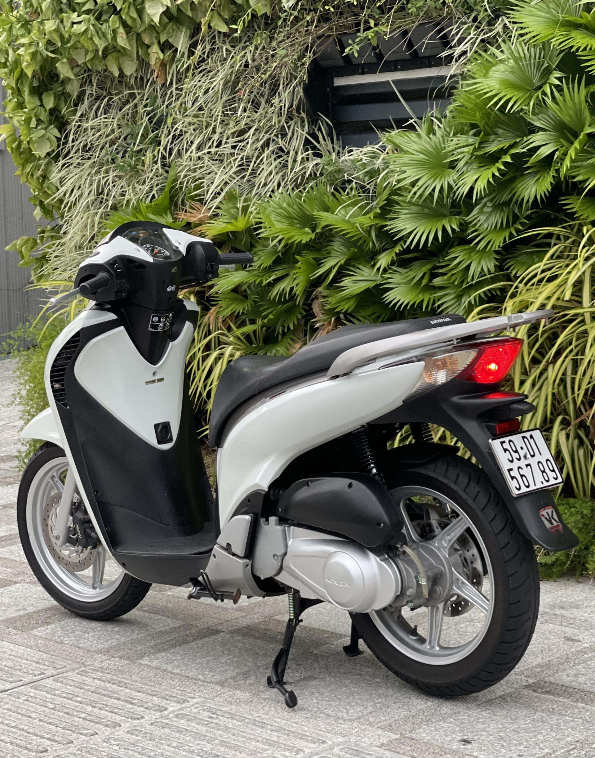 Honda SH 150i cũ rao bán giá 1 tỷ đồng, xe tìm được chủ mới chỉ sau 4 ngày 4